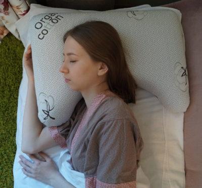 Как спать на ортопедической подушке; правила здорового сна